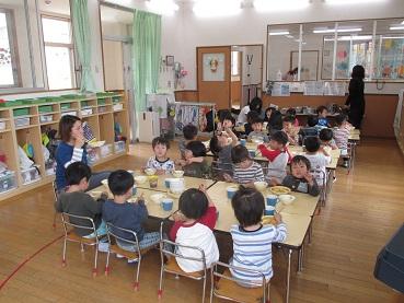 ひがし保育園ブログ 3歳児の給食 ひがしKIDSブログ